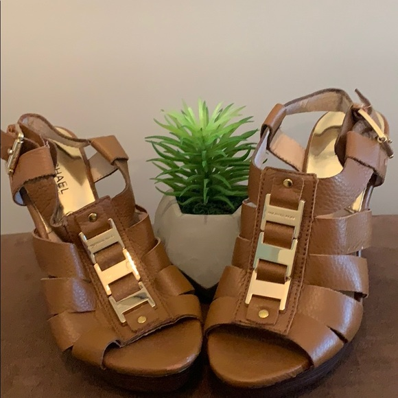 🍁🍁Michael Kors leather sandals🍁🍁